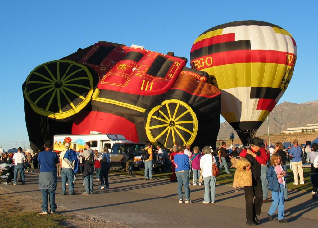 inflation-process-progresses-in-baloon-fiesta