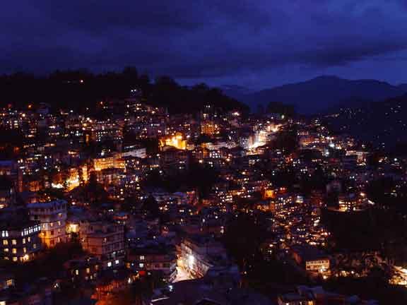 GANGTOK TOWN AT NIGHT
