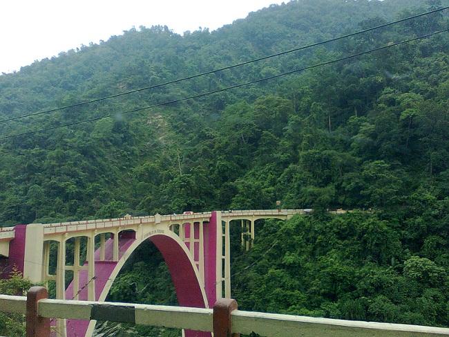 THE VIEW OF A GANGTOK BRIDGE