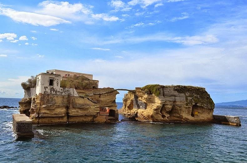 GAIOLA BRIDGE, ITALY - A CLASSIC BRIDGE