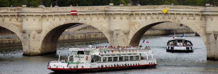 SHIPS PASSING UNDER THE PONT NEUF
