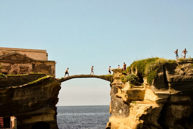 TOURISTS ATOP THE GAIOLA BRIDGE, ITALY