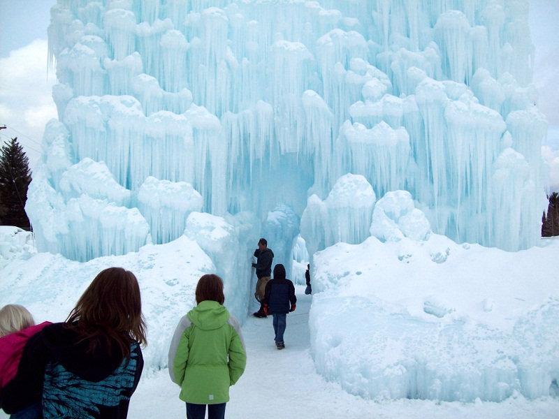 WALK THROUGH THE ICE CASTLES IN SILVERTHORNE