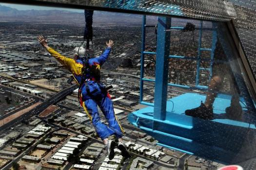 SKY JUMPING AT STRATOSPHERE TOWER, LAS VEGAS