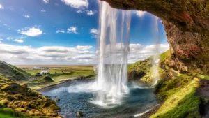 Seljalandsfoss Falls: An awesome view