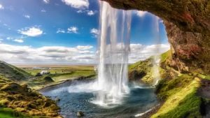 Seljalandsfoss Falls: An awesome view